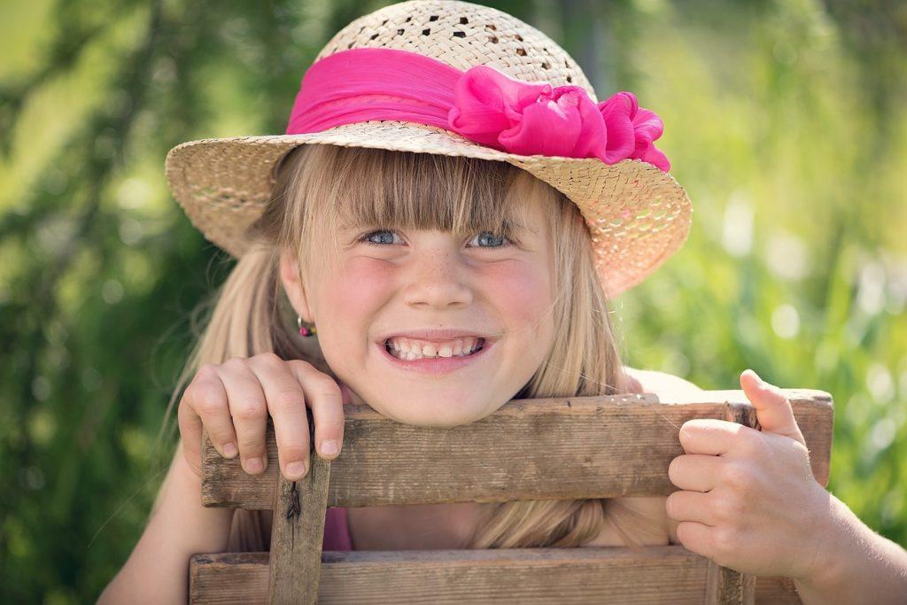 Child Girl Hat Summer Sunshine - Pezibear / Pixabay