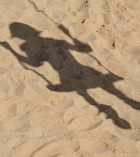 Sand Shadow Swing Child Playground  - Kathas_Fotos / Pixabay