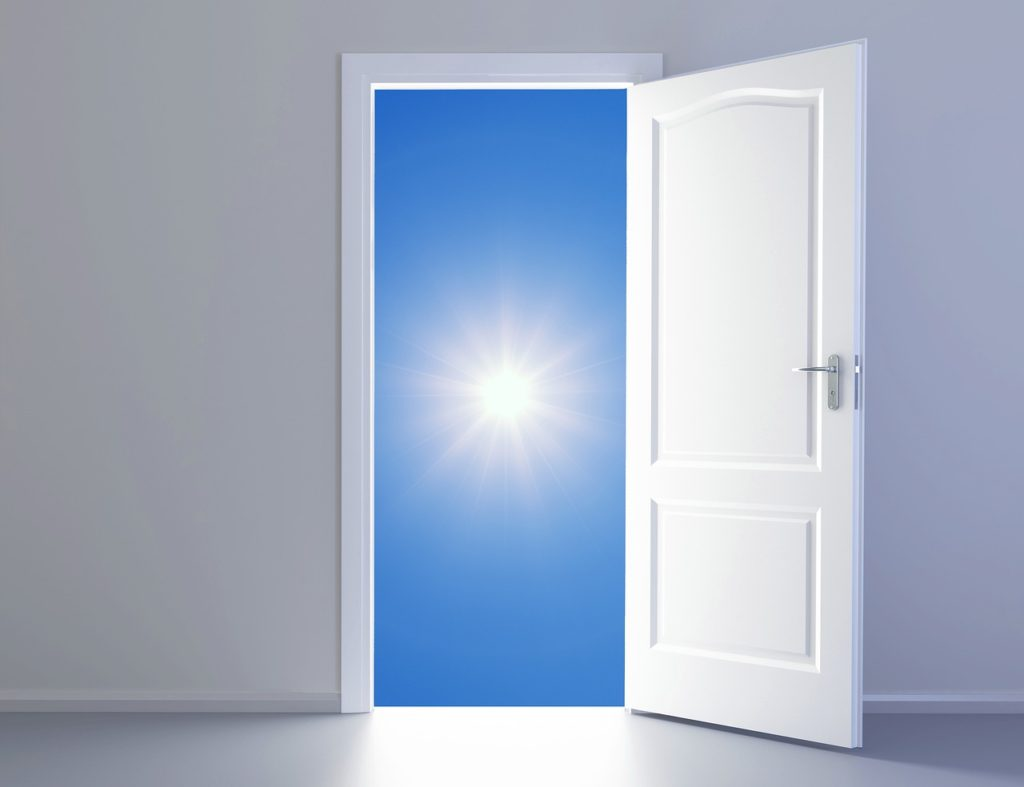 Sun Open Door Sunlight Light  - Tumisu / Pixabay
