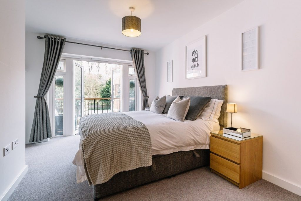 Bedroom Interior Design House Room  - StuBaileyPhoto / Pixabay