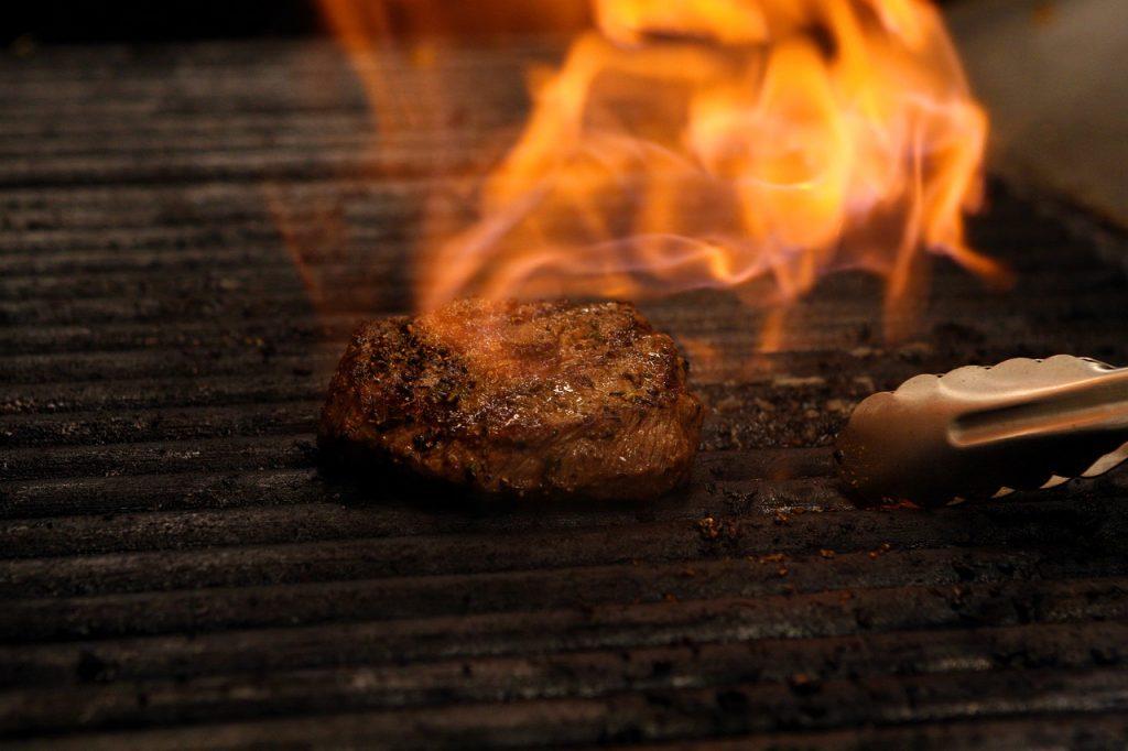 Steak Grill Flame Grilling  - rstamats / Pixabay